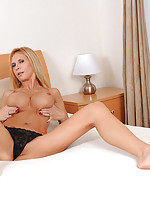 Glamorous blonde Brooke Tyler masturbates with a powerful magic wand